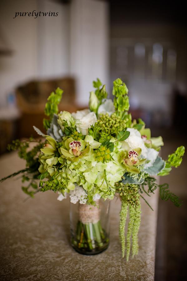 full-shot-wedding-flowers
