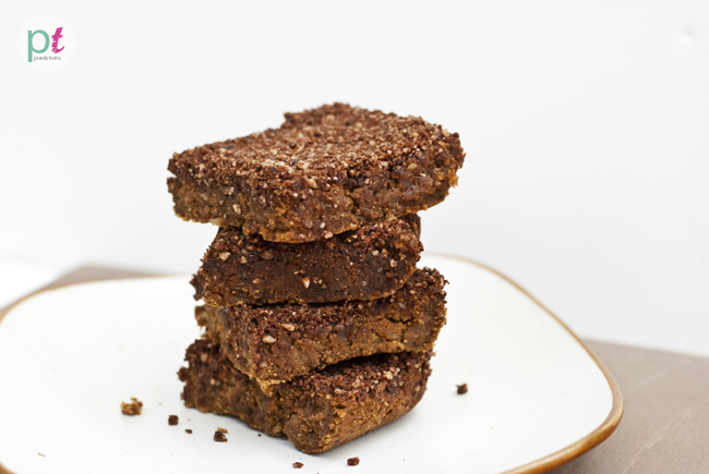 pumpkin protein bars with hazelnut cocoa crumb topping (gluten-free, vegan, soy-free)