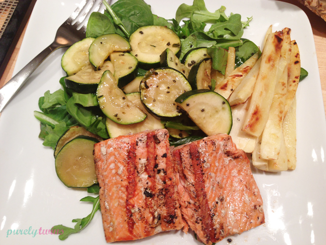 grilled-salmon-dinner