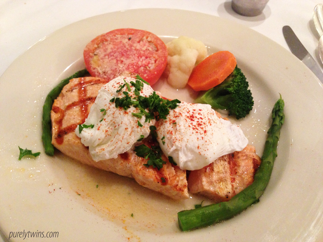 salmon poached eggs