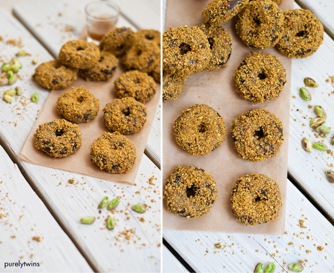 pistachio baked donuts