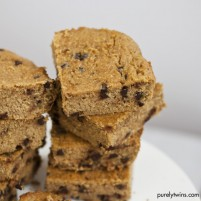 {flourless vegan} peanut butter chocolate chip blondies