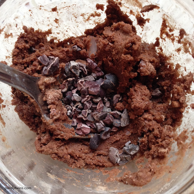 chocolate coconut oil gelatin with cacao nibs