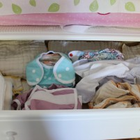 How to cloth diaper a 3 week old newborn