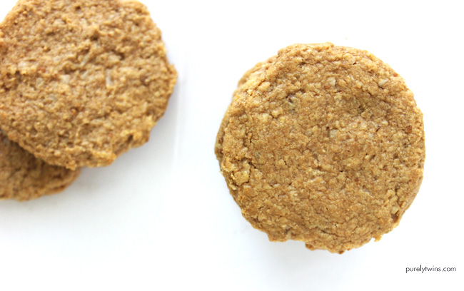 the best 4 ingredient 10 minute cookie recipe (grain-free, egg-free, gluten-free)