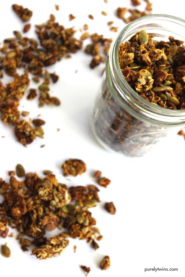 gluten-free-no-sugar-pumpkin-granola-recipe-paleo