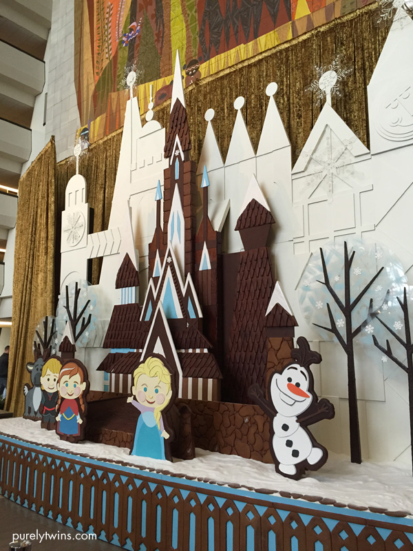 gingerbread house frozen at disney
