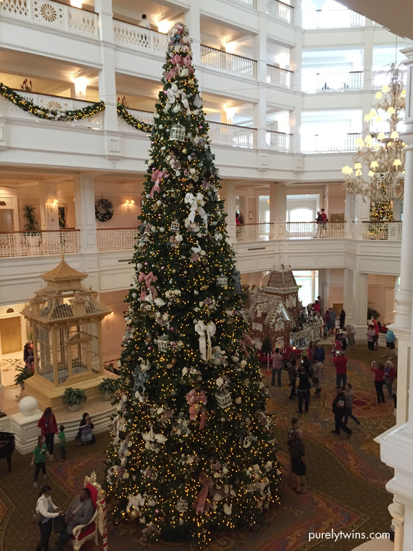 grand floridan christmas tree disney