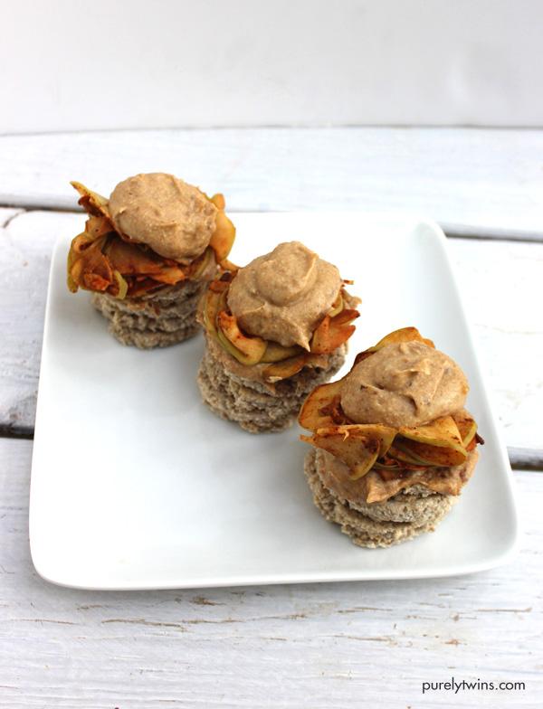 vegan-apple-pie-pancake-recipe-made-with-no-flour