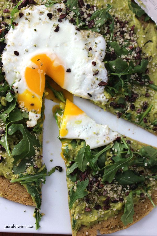 ultimate-slice-of-breakfast-avocado-cream-egg-pizza-purelytwins