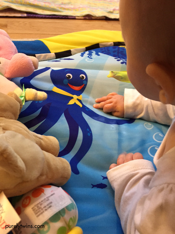 4-month-baby-playing-on-activity-mat