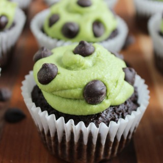 mint chocolate chip cupcakes (using tigernut flour)