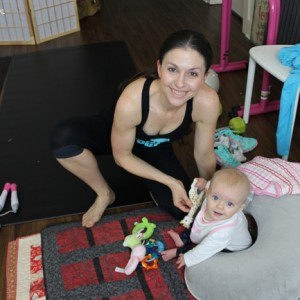 mom-personal-trainer-with-daughter