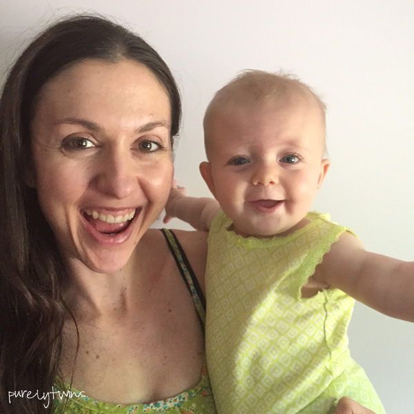 mom and 7 month old daughter selfie || purelytwins.com #momlife #lifewith7monthold