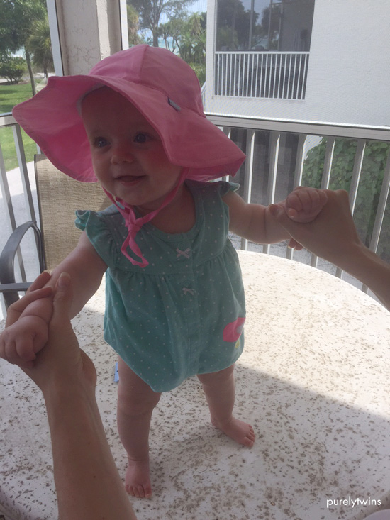 baby-girl-pink-hat