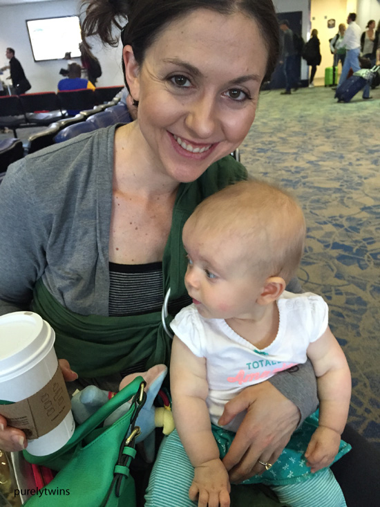 momanddaughter-at-airport