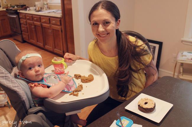 mother-daughter-eating-breakfast
