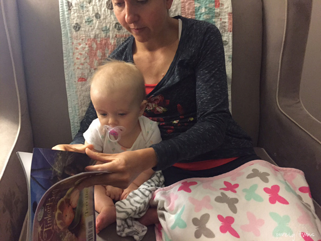 aunt-reading-to-niece