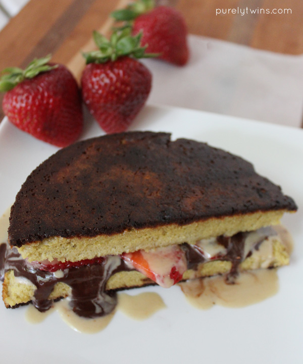 Healthy real food strawberry chocolate tahini melt sandwich on plantain bread. Paleo. Low sugar. | purelytwins.com