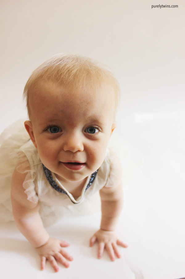 blue-eyes-baby-girl-11-months-old