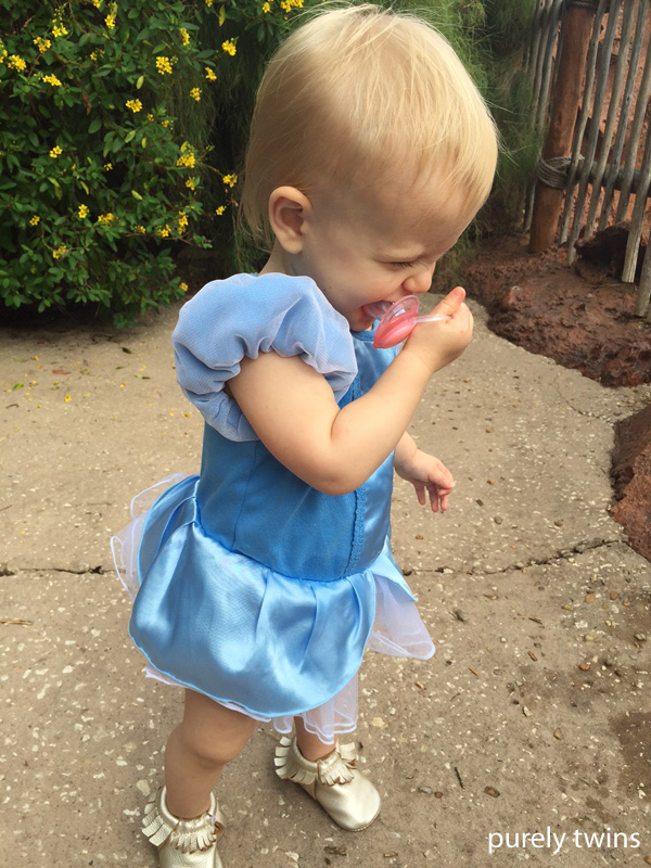 baby-girl-cinderalla-outfit