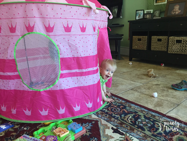 baby-playing-in-tent