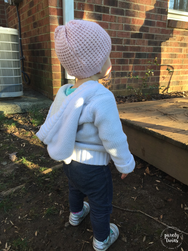 baby-wearing-hat-cold-outside