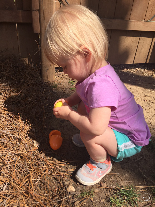 kid-playing-with-easter-eggs