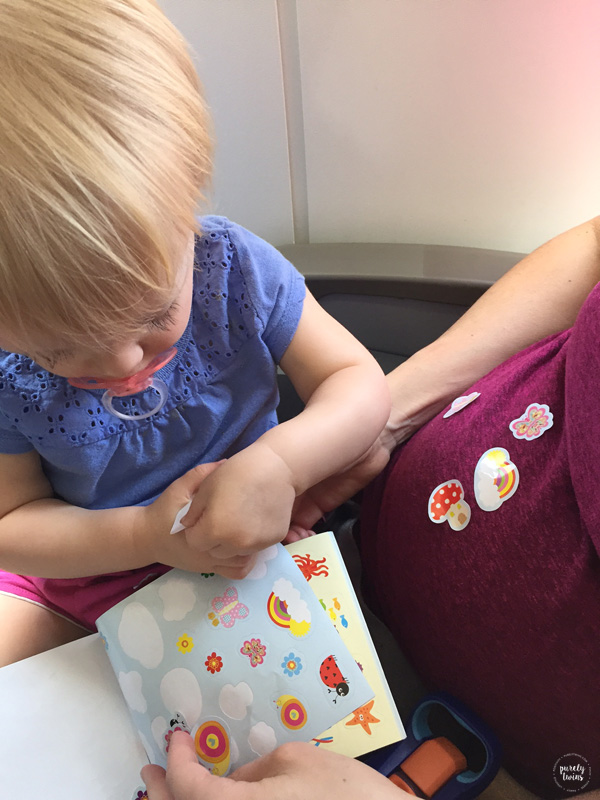 stickers-airplane-kid-activity