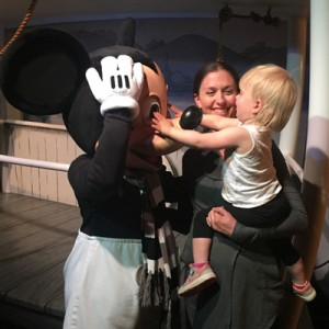Your guide of 8 things to do at Disneyland with a toddler