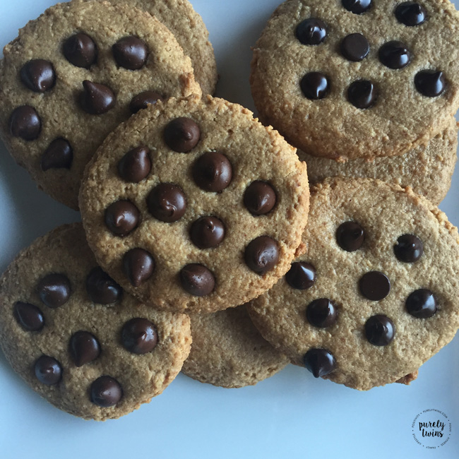 4 ingredient peanut butter chocolate chip cookies