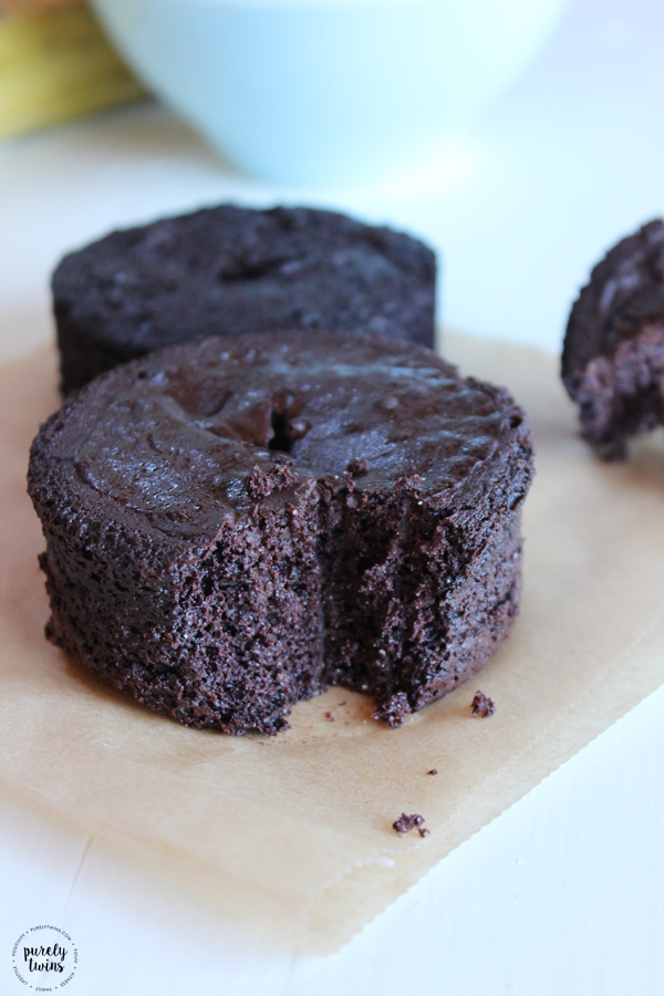 Simple and healthy gluten and grain free chocolate cake recipe that serves ones. No flour. Low in sugar. Egg-free options.