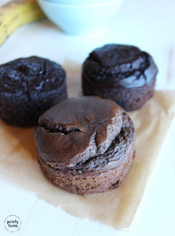 Tigernut chocolate cake made with just 5 ingredients and serves one!