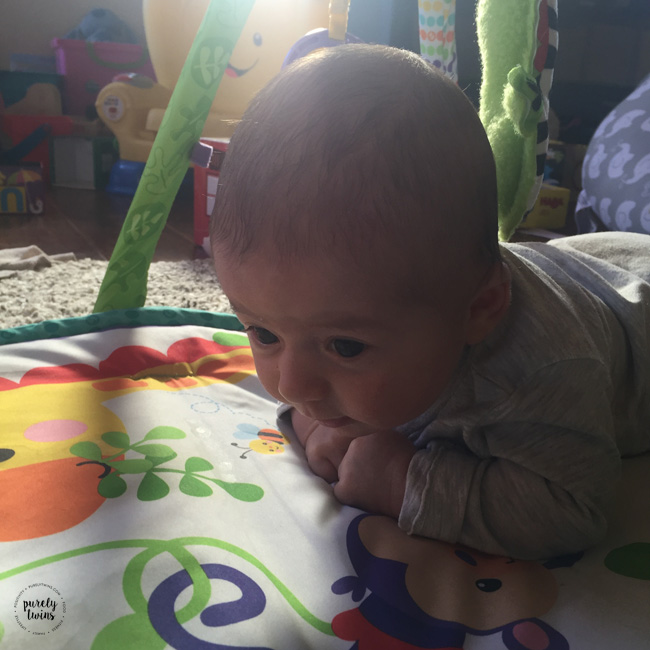 Baby Lyla who is 6 weeks old doing great at holding her head up at tummy time.