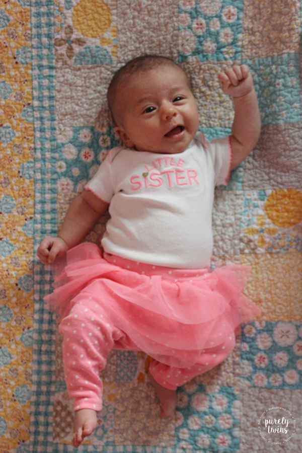 baby-lyla-5-weeksold-best-little-sister