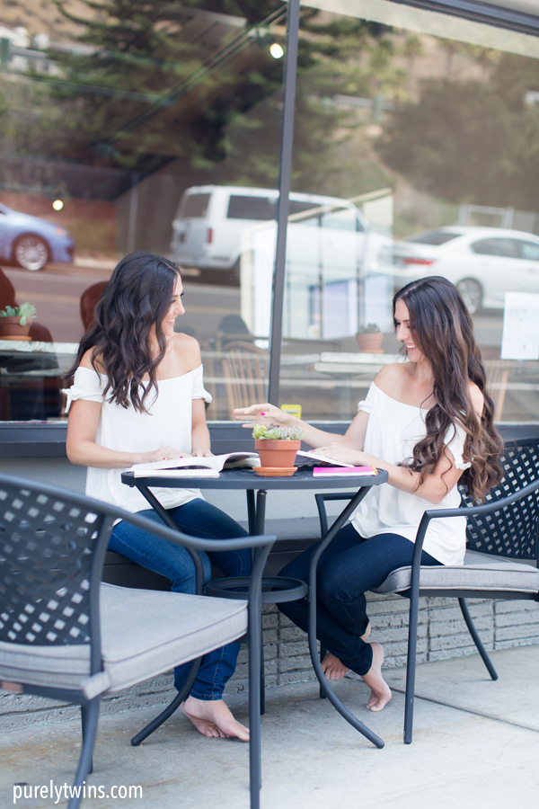 cute coffee shop pictures for lifestyle photoshoot