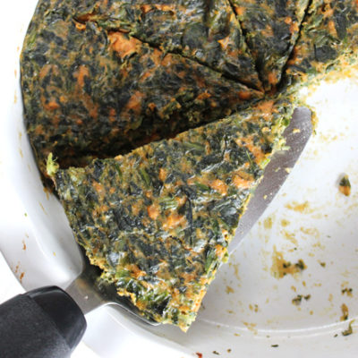 Easy 3 ingredient crustless spinach sweet potato quiche. A healthy meal to enjoy anytime of the day. Gluten-free | Grain-free | Paleo | Dairy-free